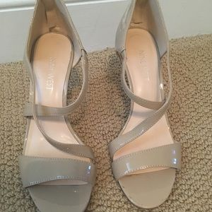 Nine West taupe patent strappy heels size 7
